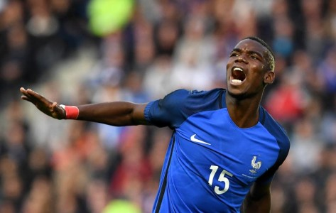 France's midfielder Paul Pogba reacts to a missed shot during the friendly football match between France and Cameroon, at the Beaujoire Stadium in Nantes, western France, on May 30, 2016. / AFP PHOTO / FRANCK FIFE